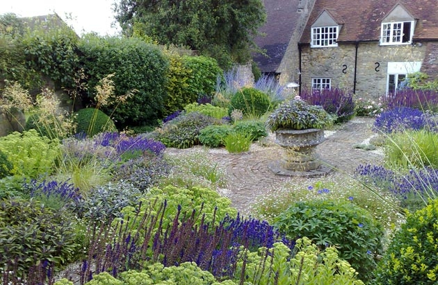 Alice Bowe - English Landscape Garden Design | GardenVisit.com ...