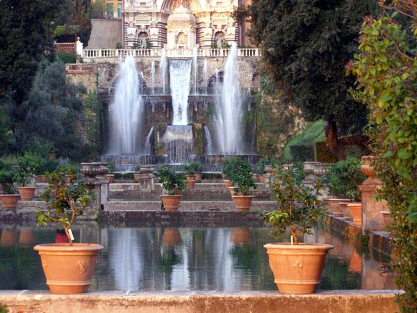 http://www.gardenvisit.com/assets/madge/villa_este_garden/600x/villa_este_garden_600x.jpg