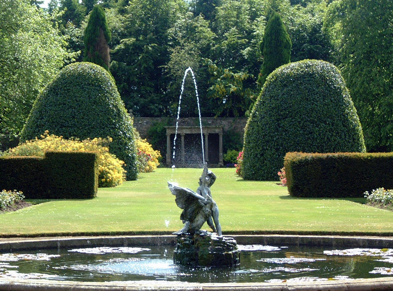 Fountain, Kinross House Garden