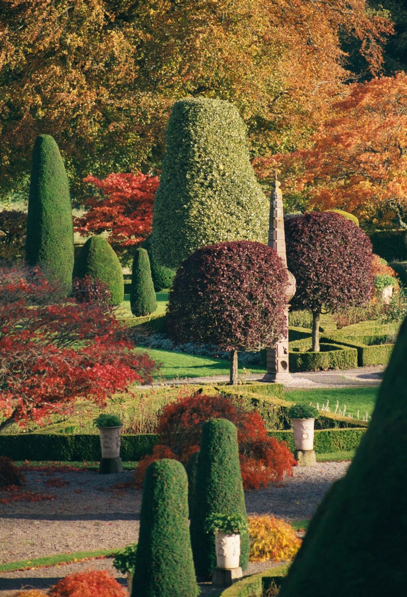 Autumn, Drummond Castle Gardens