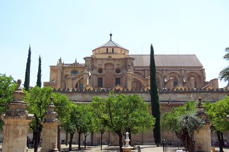 http://www.gardenvisit.com/assets/madge/cordoba_great_mosque/600x/cordoba_great_mosque_600x.jpg