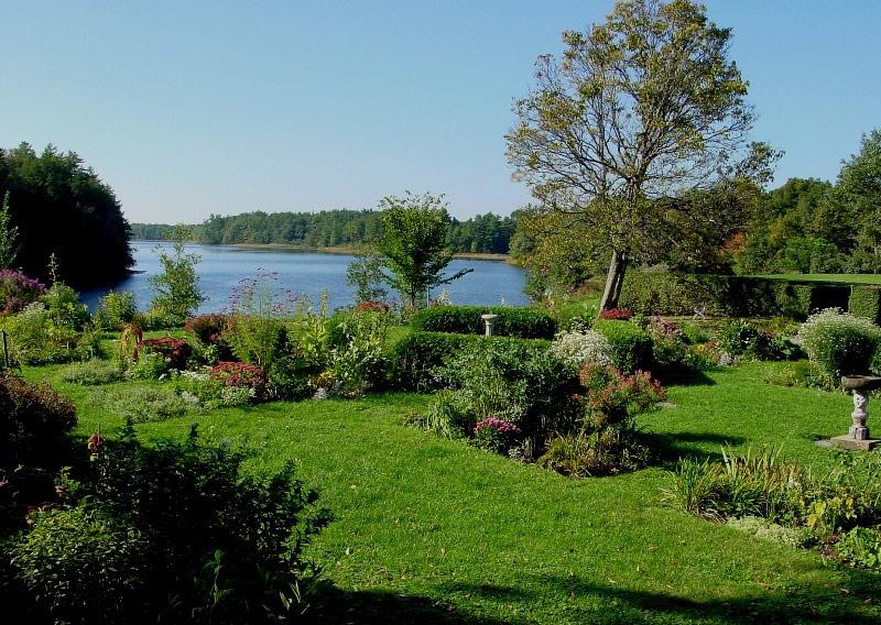 http://www.gardenvisit.com/assets/madge/hamilton_garden_maine/600x/hamilton_garden_maine_600x.jpg