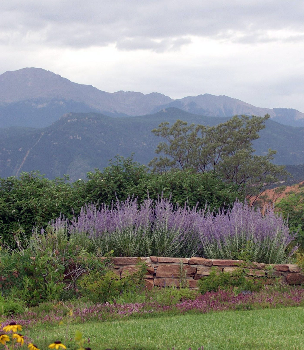 Xeriscape Demonstration Garden in Colorado Springs | GardenVisit ...
