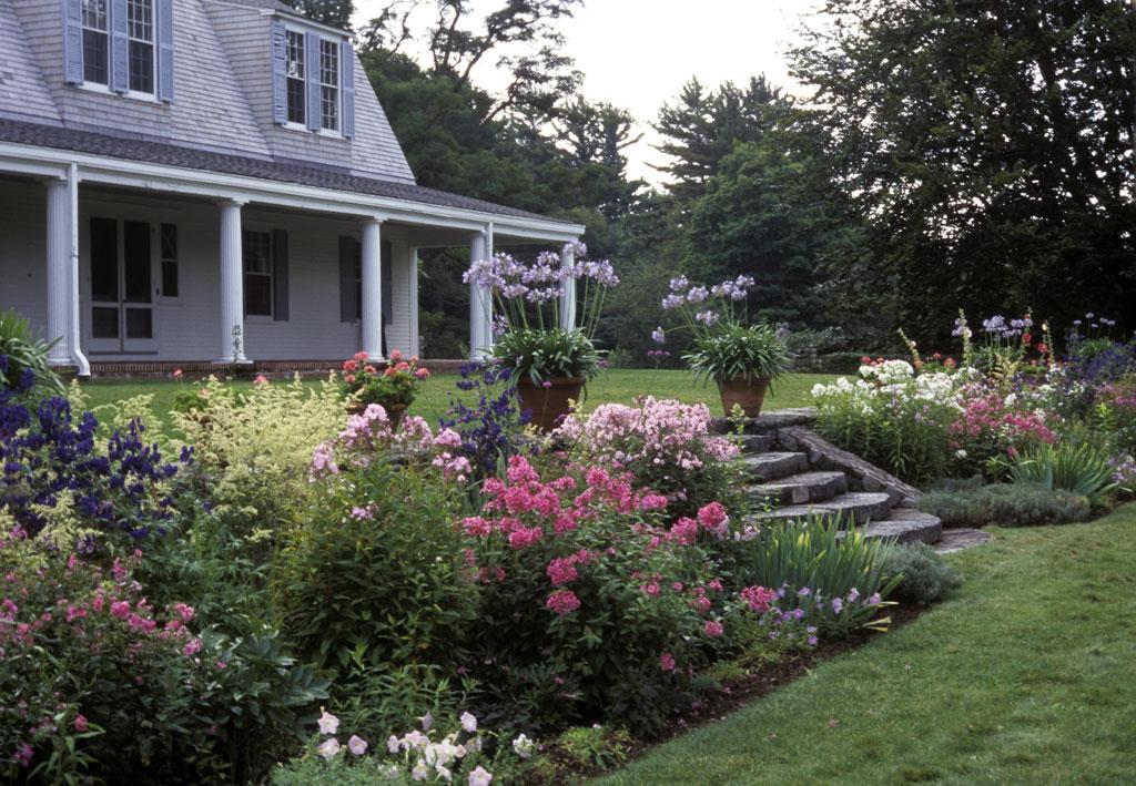 http://www.gardenvisit.com/assets/madge/the_fells_newbury/600x/the_fells_newbury_600x.jpg