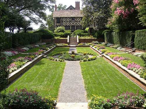 Agecroft Hall Gardens, Richmond