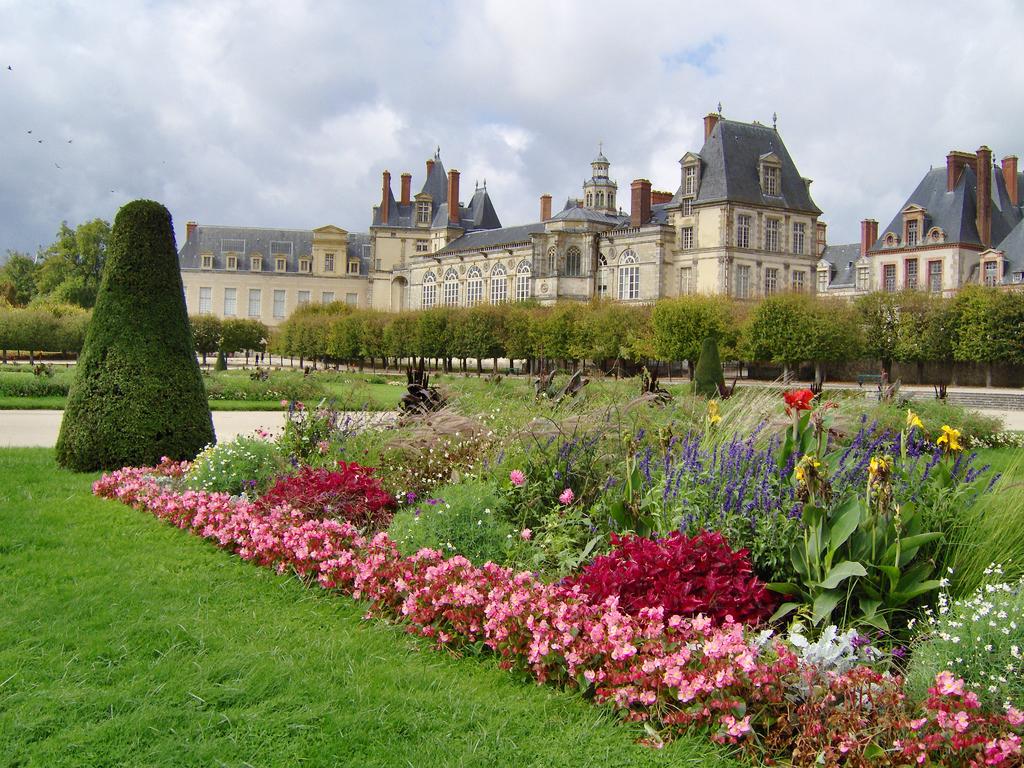 Palaces and Châteaux Chateau_de_fontainebleau_1538_jpg_600x