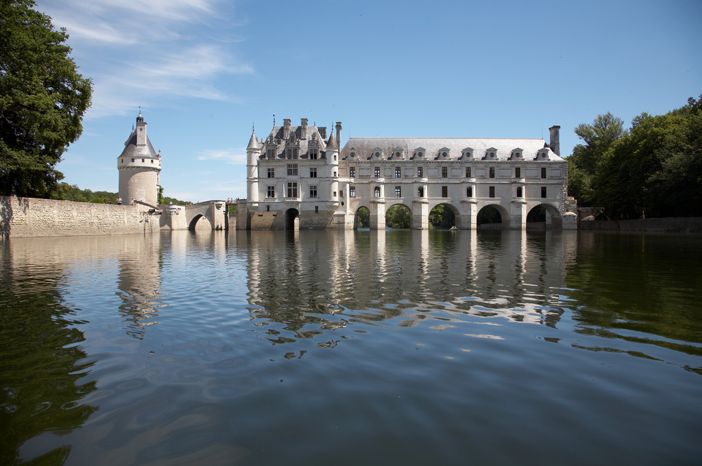 https://www.gardenvisit.com/assets/madge/chateau_de_chenonceau_1543_jpg/600x/chateau_de_chenonceau_1543_jpg_600x.jpg